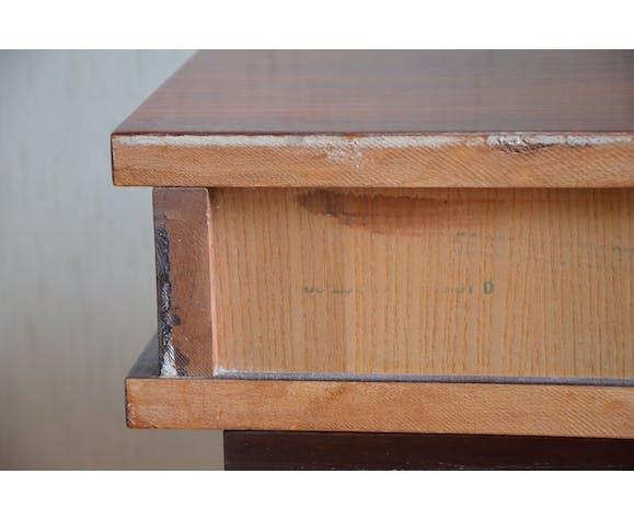 Chevet en bois laqué