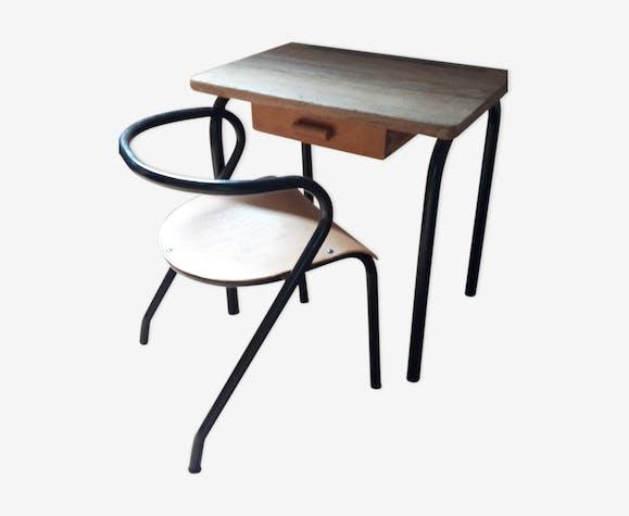 Bureau et chaise par Jacques Hitier