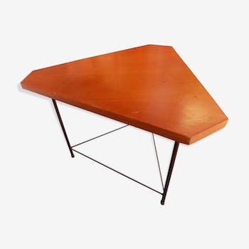 Table basse italienne en bois triangulaire en bois et acier vers 1960