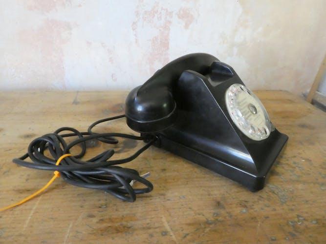 Téléphone en bakélite noire