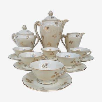 Limoges porcelain tea service, former royal factory.