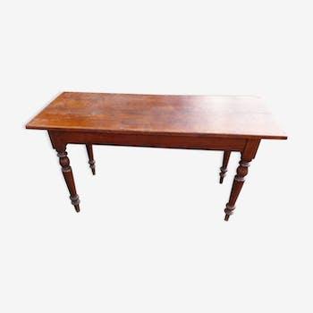 Table à pieds tournés