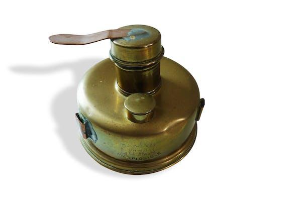 Ancienne lampe huile ou p trole laiton industriel 11305 - Lampe de bureau ancienne en laiton ...