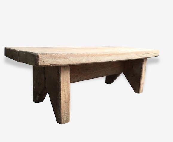 petit banc en bois brut bois mat riau industriel. Black Bedroom Furniture Sets. Home Design Ideas