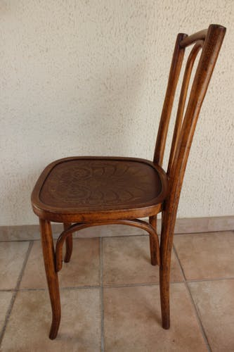 Chaise bistrot pyrogravée Mundus n° 42