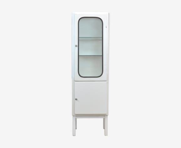 Cabinet médical des années 1970