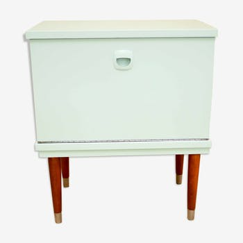 table de nuit bleu nuit bois mat riau bleu vintage manucs0. Black Bedroom Furniture Sets. Home Design Ideas