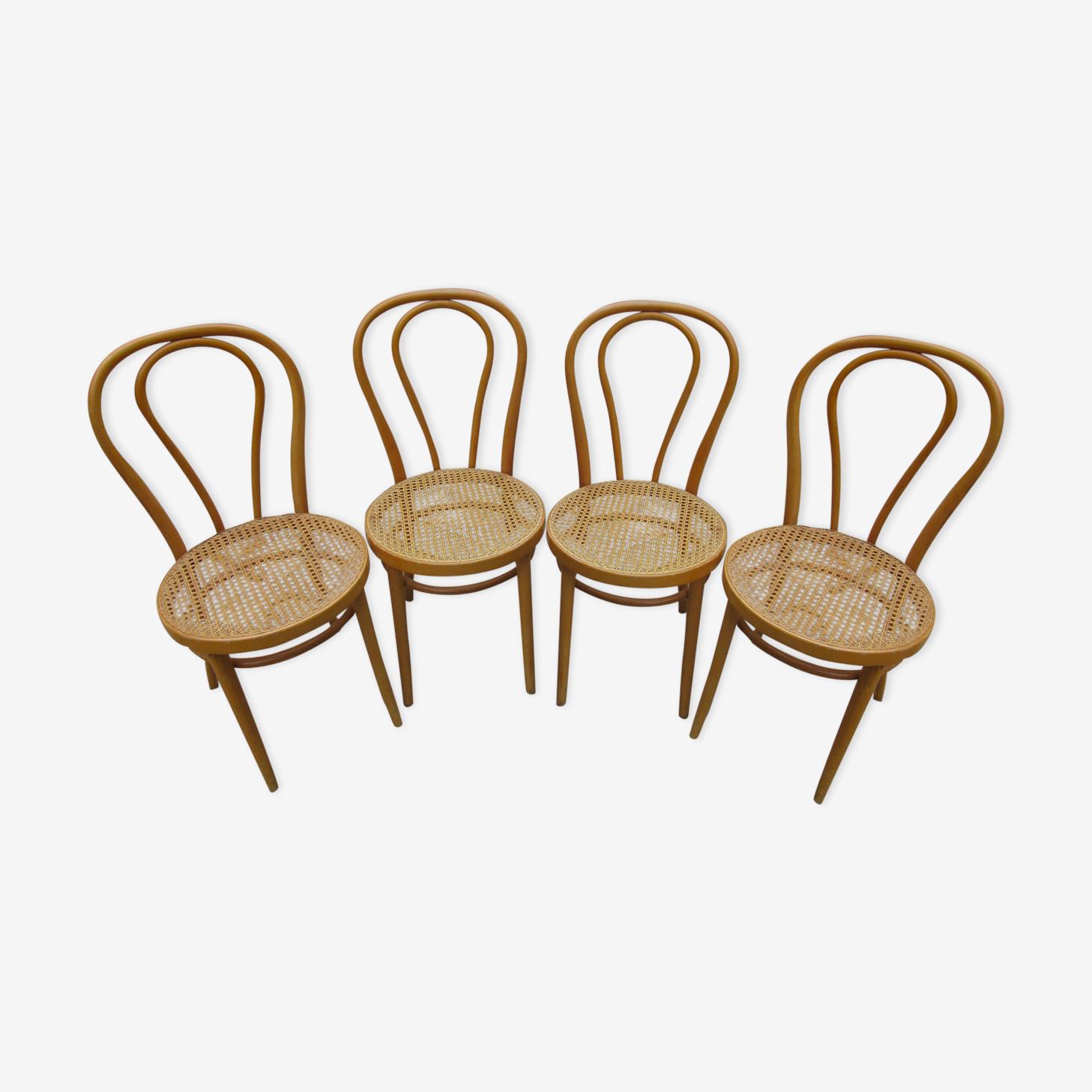 Lot de quatre chaises de bistrot