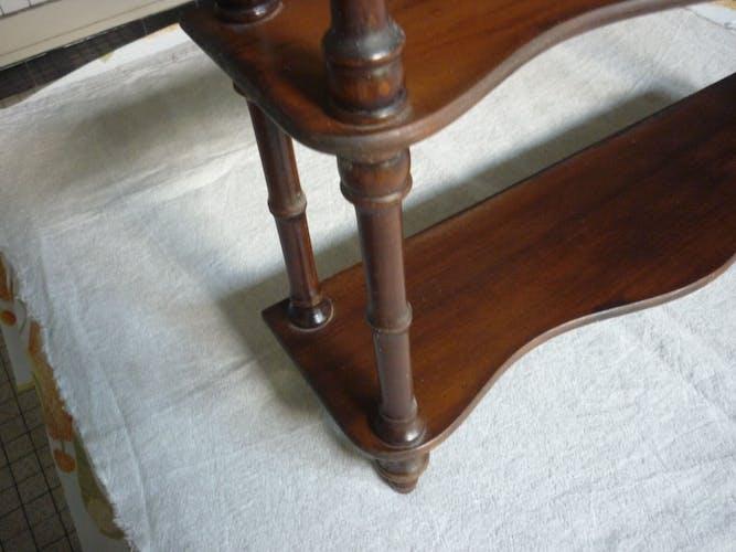 Étagere vintage en bois vernis