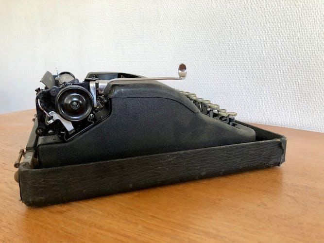 Machine à écrire Corona Standard 1940