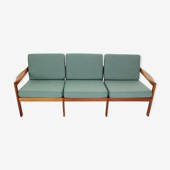 Canapé en teck trois places par Illum Wikkelsø pour Niels Eilersen, 1960, Danemark