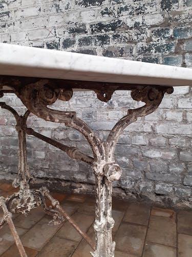 Table de jardin fonte
