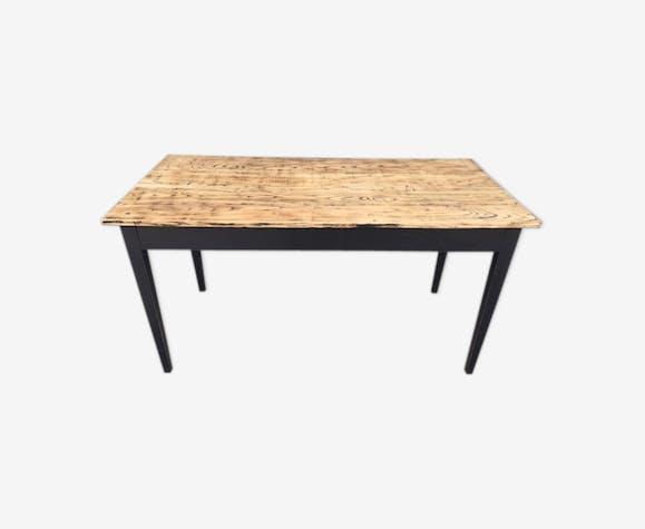 Table de ferme noire et dessus brut