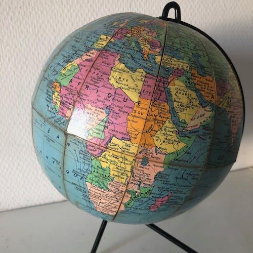 Globe terrestre Girard Barrère tripode 25cm vintage 1960