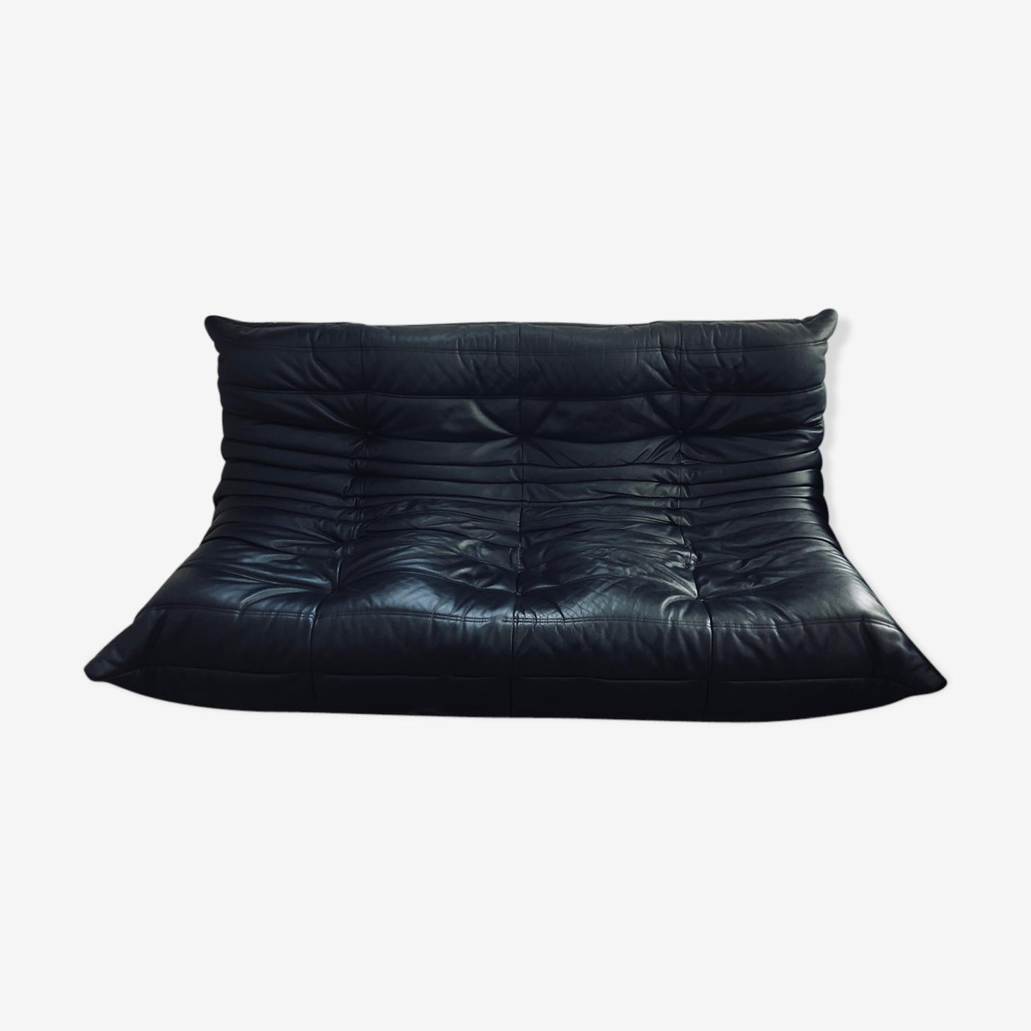 Togo cuir noir par Michel Ducaroy Ligne Roset