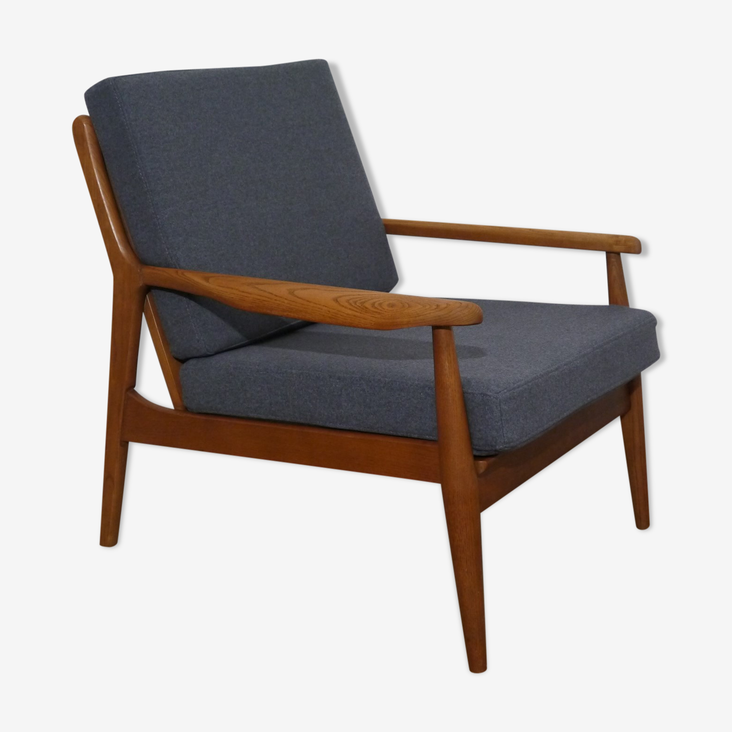 Scandinavian armchair in oak 1960
