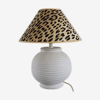 Lampe céramique blanche et abat-jour imprimé panthère