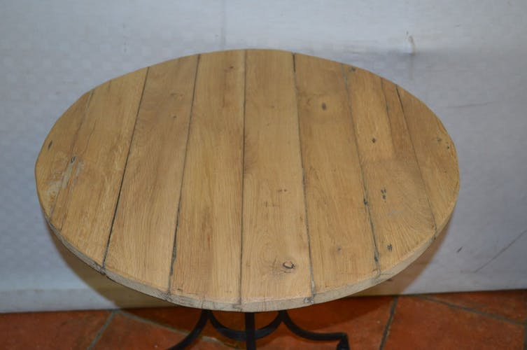 Old bistrot table made of iron and oak top