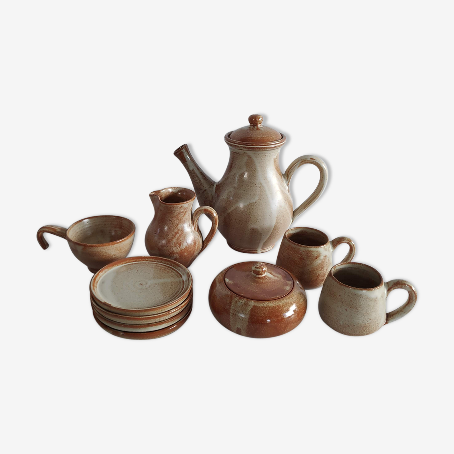 Serving tea or coffee vintage from the 60s in sandstone