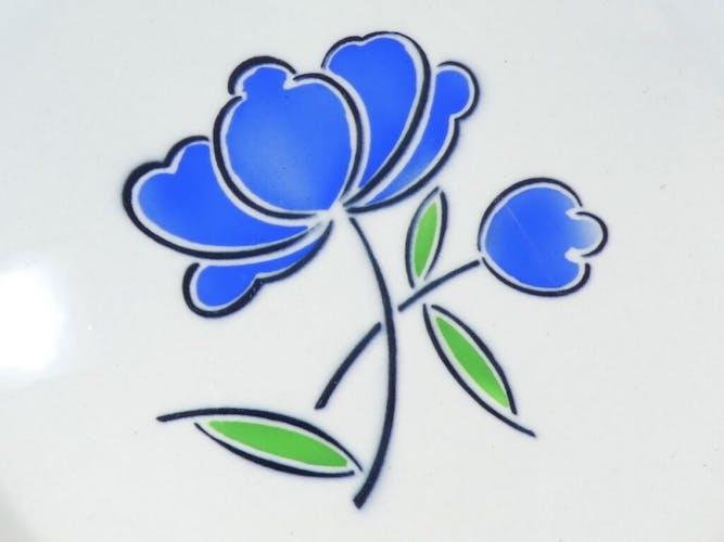 Plat rond Badonviller décor fleur bleu