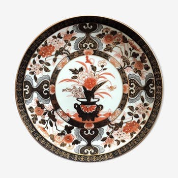 Ancient Japanese plate, hand-painted