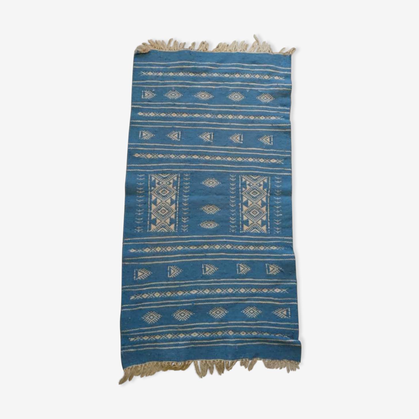 Tapis berbère bleu et blanc 118 x 65 cm
