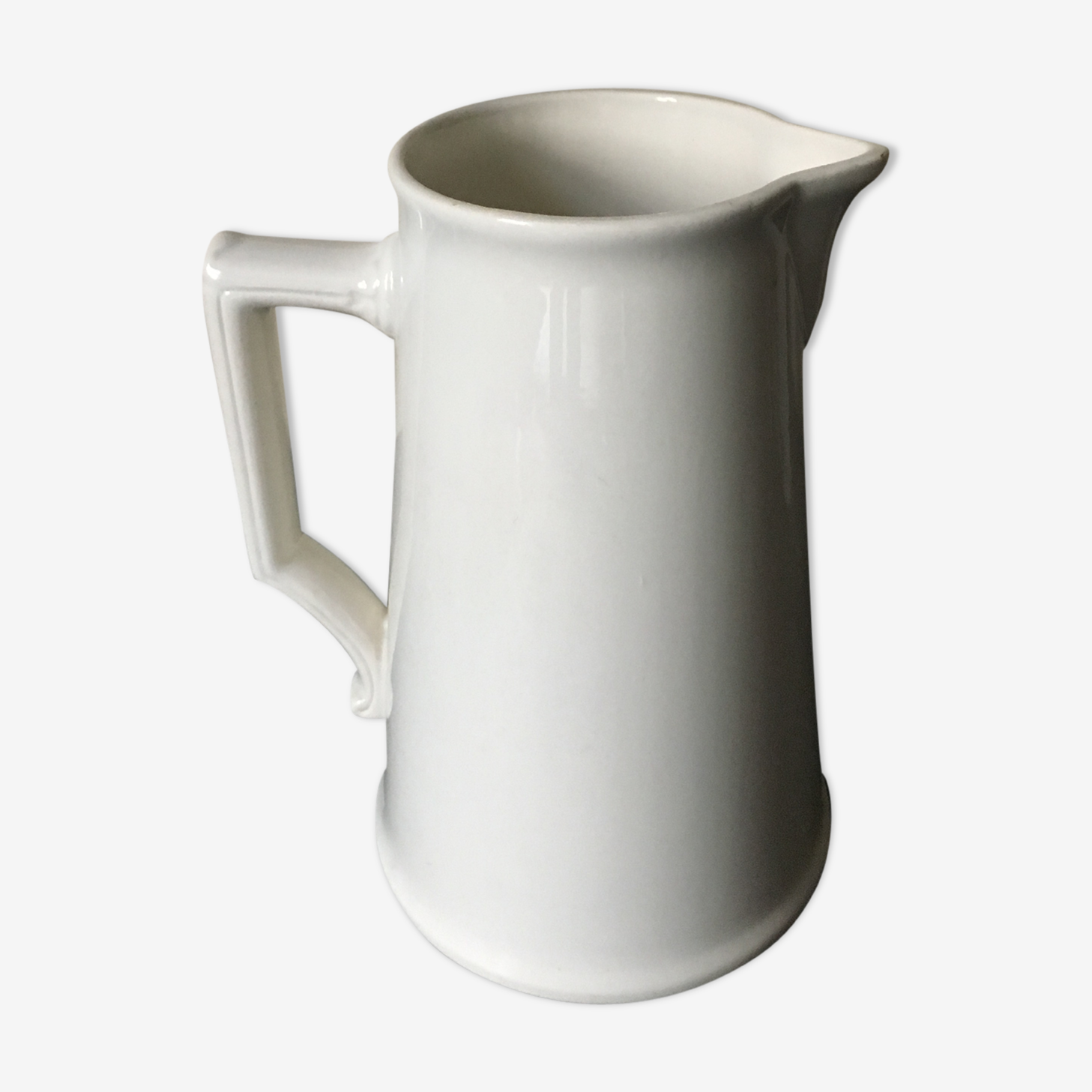 Large jug in water 19th white earthenware