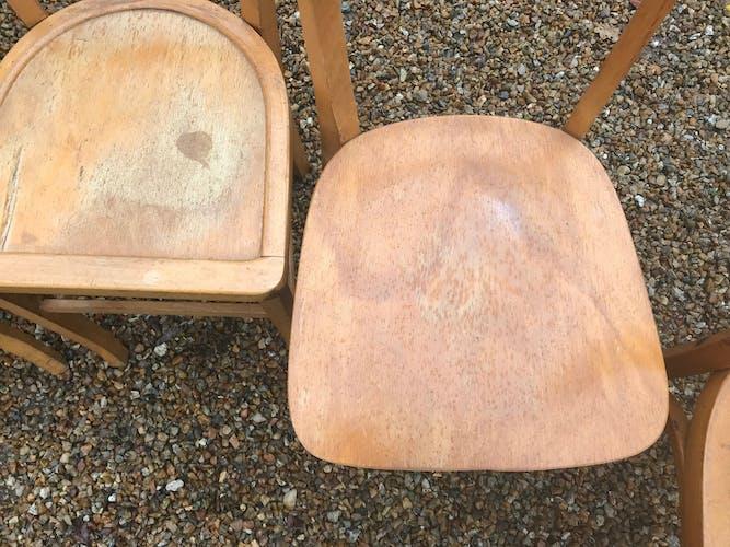 Chaises dépareillées