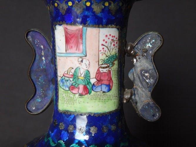Ancien vase Chinois cuivre émaillé émaux 18cm Chine XIXème