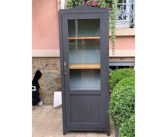 Glass cabinet in Paris