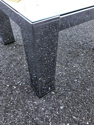 Table basse chrome et verre fumé des années 70