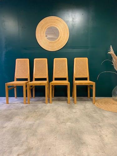 Série de 4 chaises avec cannage