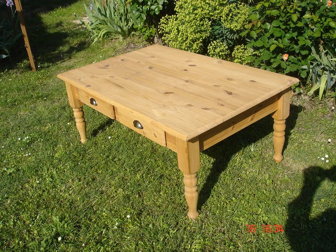 Table basse en pin massif