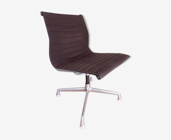 Chaise EA105 par Charles et Ray Eames pour Herman Miller
