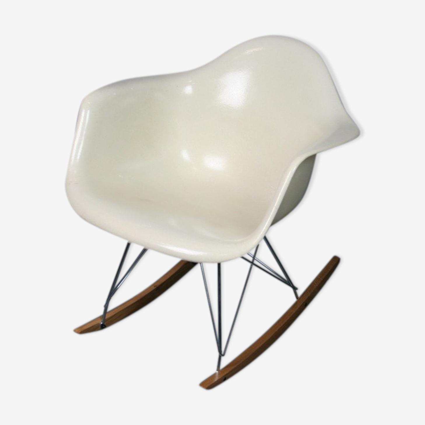 Rocking chair rar parchemin blanc Eames Herman Miller