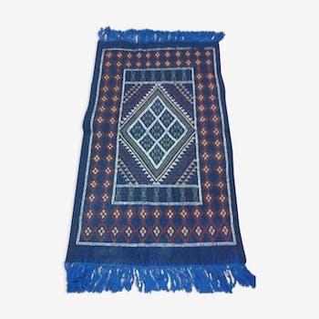 Tapis berbère fait à la main en pure laine bleu 67 x 108 cm