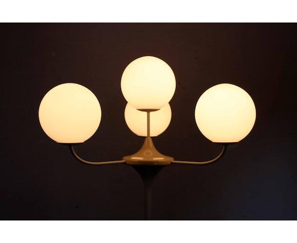 Temde Leuchten Lamppost by E.R Nele