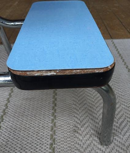 Tabouret escabeau formica bleu ciel, années 60/70