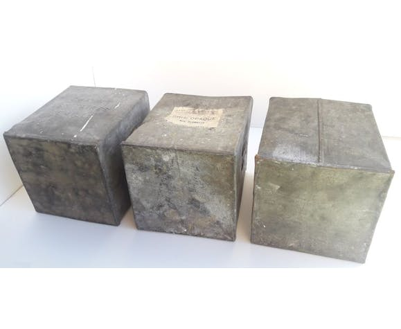 batch of 3 old cubes of zinc iron transport, storage, pot cache...