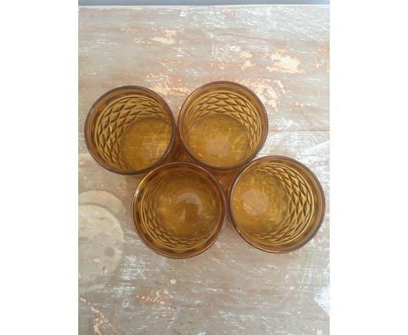 Quatre verres ambrés Pernod