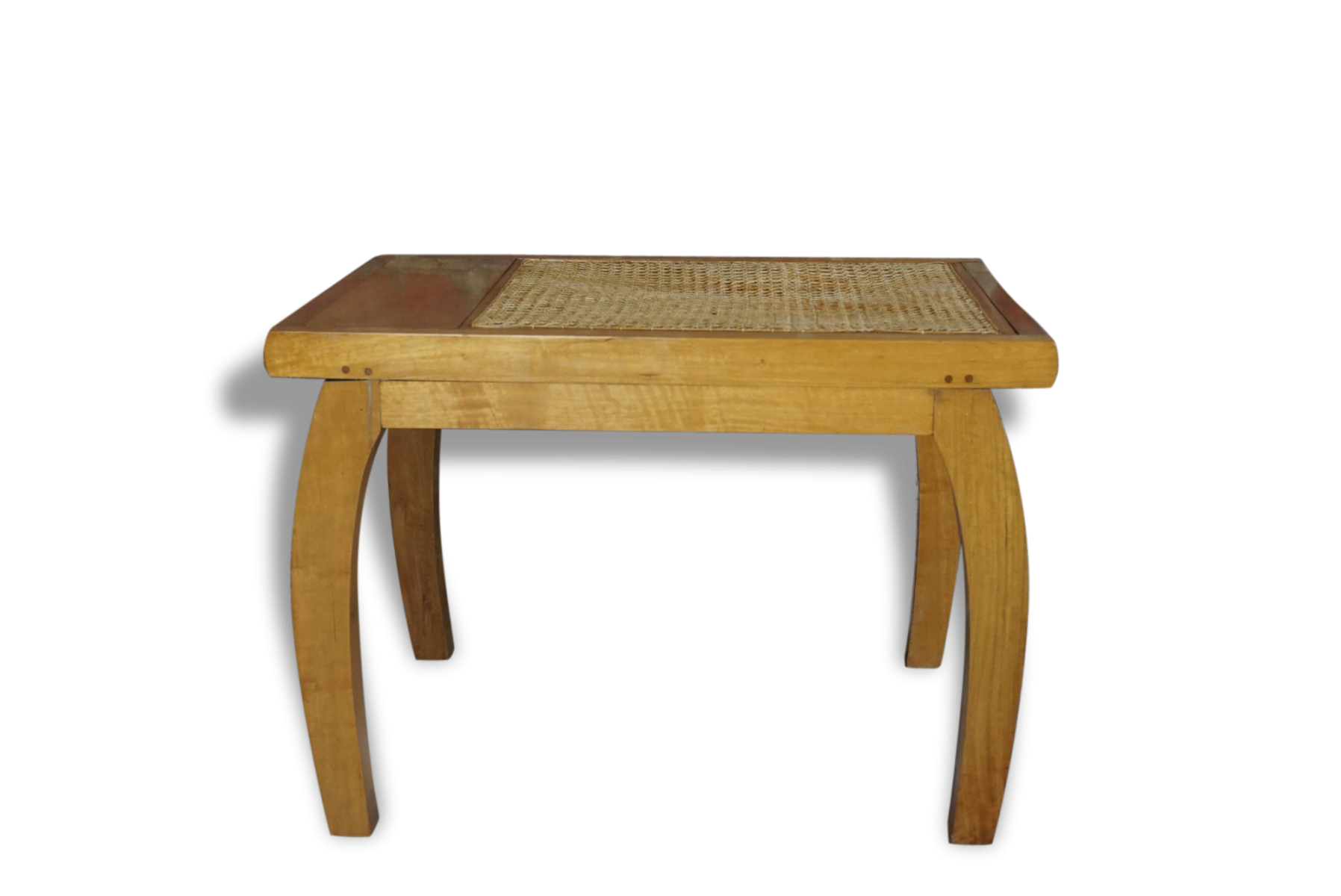 Adorable table basse en bois et cannage