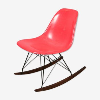 Chaise à bascule rocker rocking chair rouge Eames Herman Miller