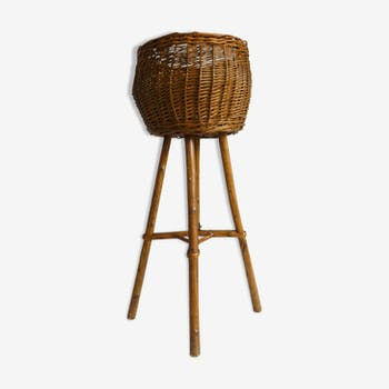 Plant holder tripod basket in wood and rattan