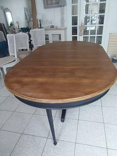 Table à manger ronde extensible en noyer de 4à 10personnes