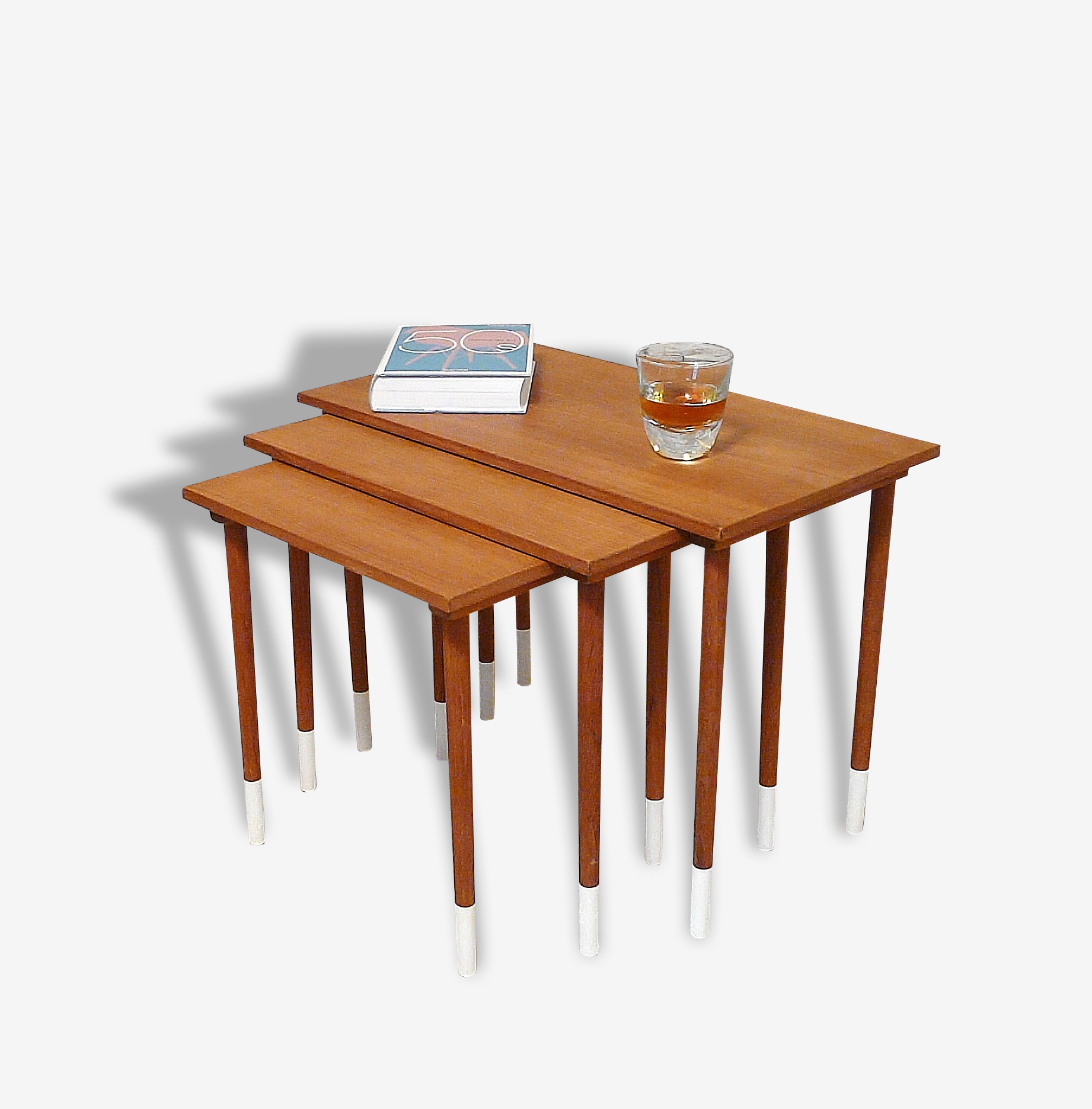 Tables Gigognes Scandinaves 1960