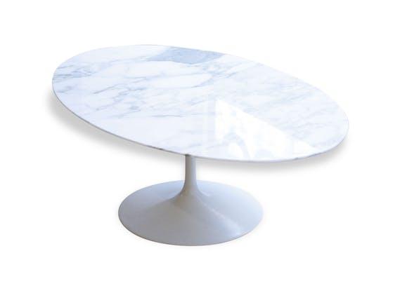 Table Basse Ovale En Marbre Eero Saarinen Edition Knoll Pierre Et Pl Tre Blanc Design 46822