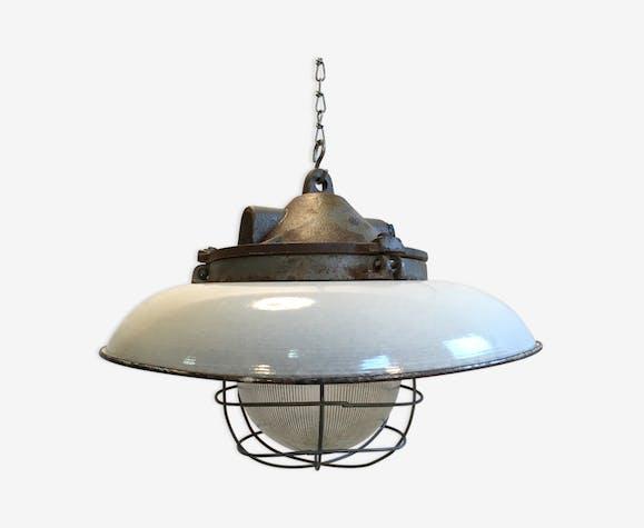 Lampe à suspension usine industrielle en fonte avec émail blanc nuance, années 1950