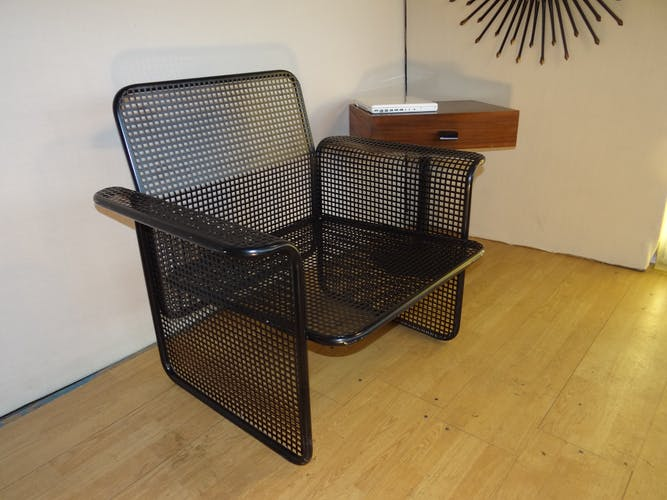 Paire de fauteuils en tole perforée design italien moderne