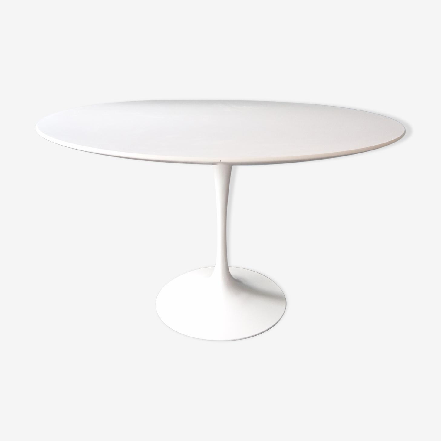 "Table ronde ""tulipe"" par Eero Saarinen pour Knoll"