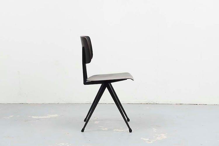Chaise S16 ébène / noir